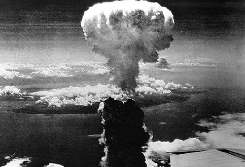 Un'equazione, la bomba atomica, un mondo distrutto